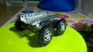 танковое шасси робота (из фенольных танков)