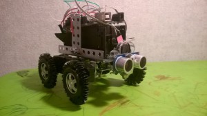 робот dolley (arduino uno, ultrasonoc sensor, l293d, шасси на фенольных танках)